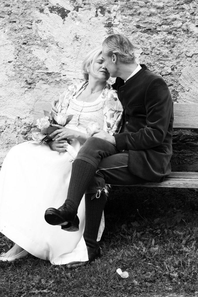 Hochzeit- Brautpaar Tracht ©lisalux